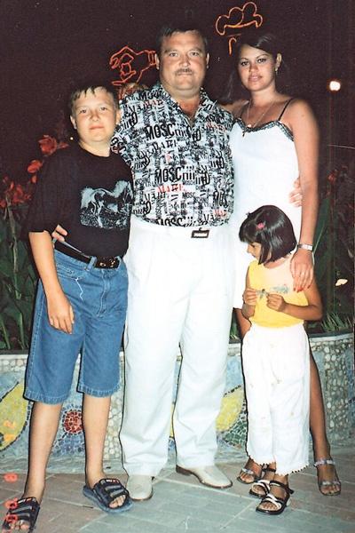 Ирина полюбила сына певца от первого брака, а Михаил стал отцом для ее дочки Марины