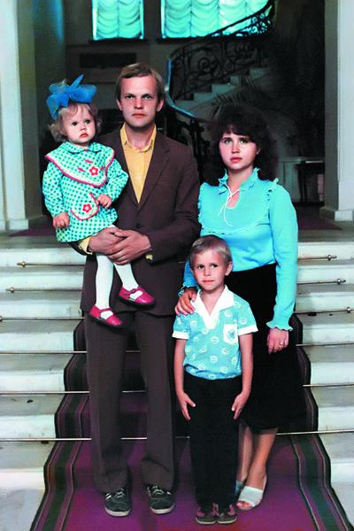 Марина Абросимова с семьей