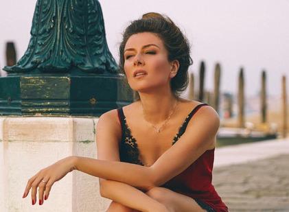 Стали известны подробности нового шоу с Жанной Бадоевой