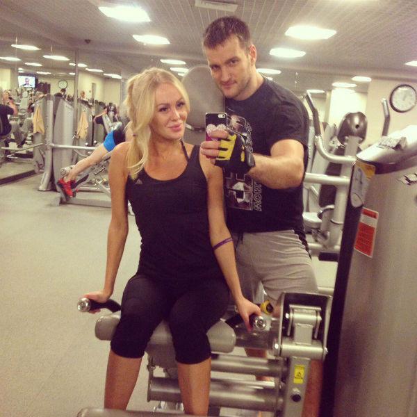 Юлия старается заниматься фитнесом, когда есть время