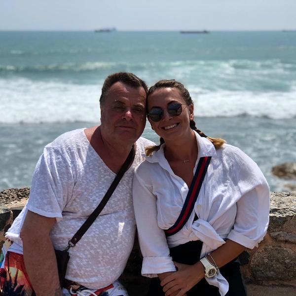 Наташа вместе с папой Владимиром Фриске