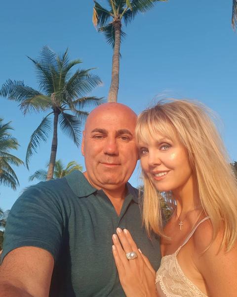 Звездная пара поженилась в 2004 году