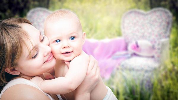 После родов ребенок записывается на биологических родителей с согласия суррогатной матери