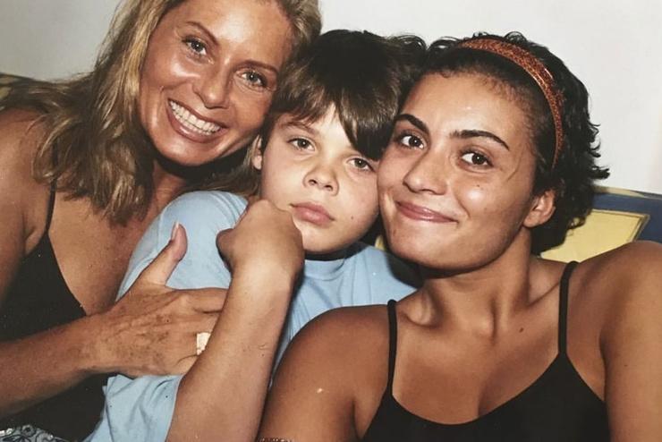 Вера Фишер с детьми
