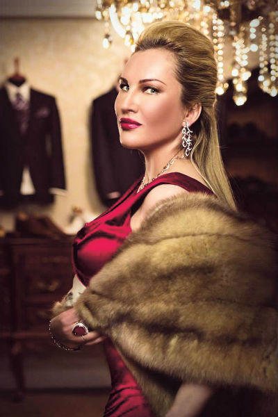 Сестра Вероника – владелица мехового бутика