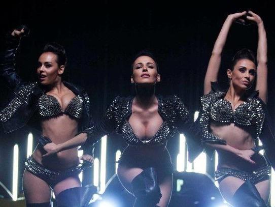 Дарья (на фото посередине) в составе группы NikitA волновала мужскую аудиторию