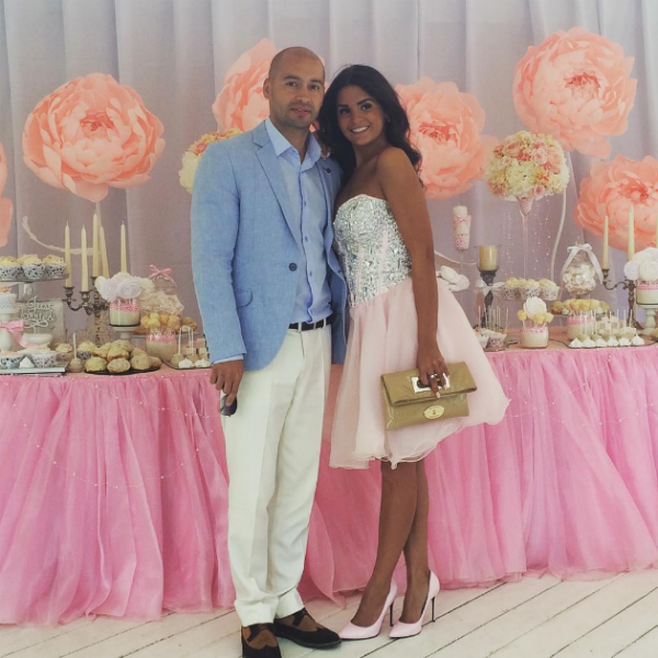 Андрей Черкасов появился на свадьбе со своей избранницей