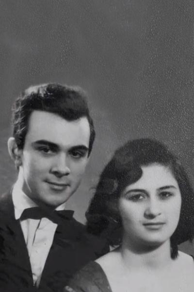 Первой супругой артиста стала Офелия