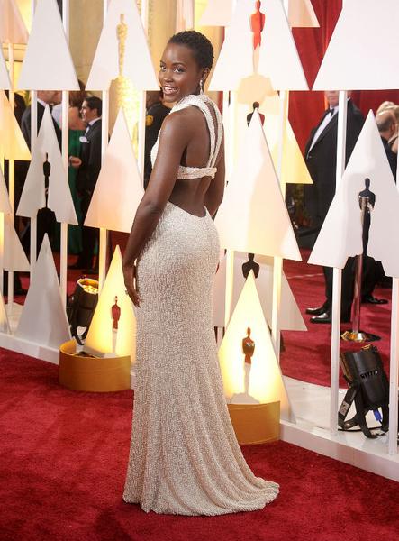 Новости: У обладательницы «Оскара» украли платье из жемчуга за 150 тысяч долларов – фото №2