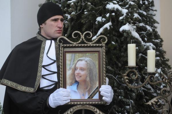 «Одежда ровным слоем была покрыта кусочками чужой плоти». 10 лет после теракта в Домодедово
