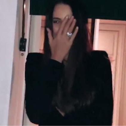 На пальце Решетовой красуется обручальное кольцо
