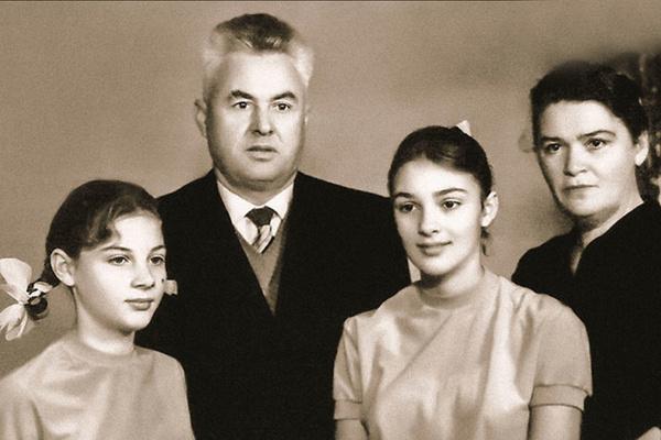 Светлана Тома с семьей