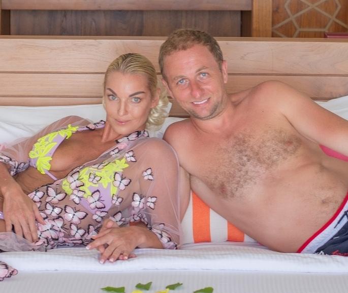 Анастасия Волочкова и Олег были вместе 10 месяцев