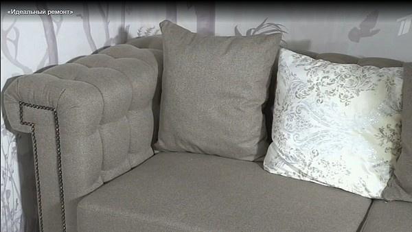 Элегантный диван, идеально сочетающийся по цветовой гамме с интерьером гостиной