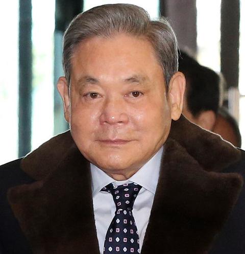 Умер глава Samsung Ли Гон Хи
