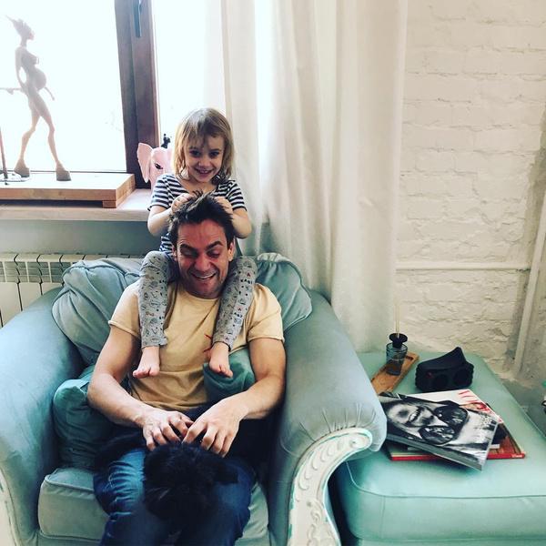 Актерс с дочкой