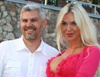 Олигарх Саркисов борется с экс-супругой Юлией за детей