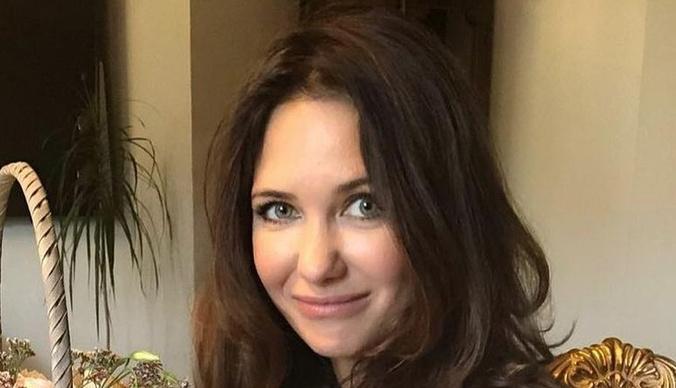 «Я не говорила о своих родителях, чтобы не обрести лжедрузей»: дочь Екатерины Климовой рассказала, почему сменила школу