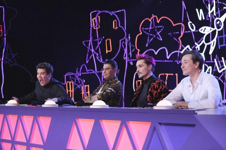 Билан сидит в жюри популярного конкурса