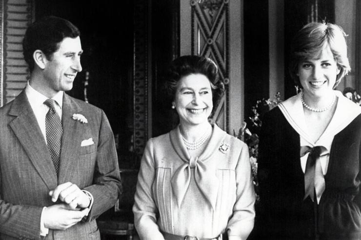Королеву Елизавету обвиняли в заговоре против принцессы Дианы