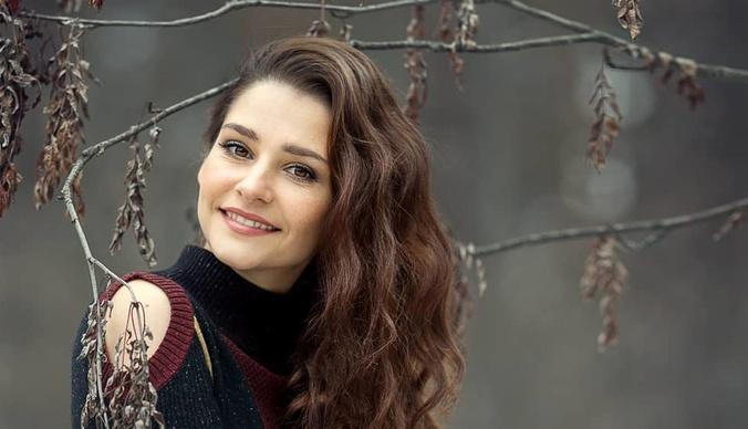 Звезда сериала «Паромщица» Глафира Тарханова: «Муж спокойно относится к моему рабочему графику»