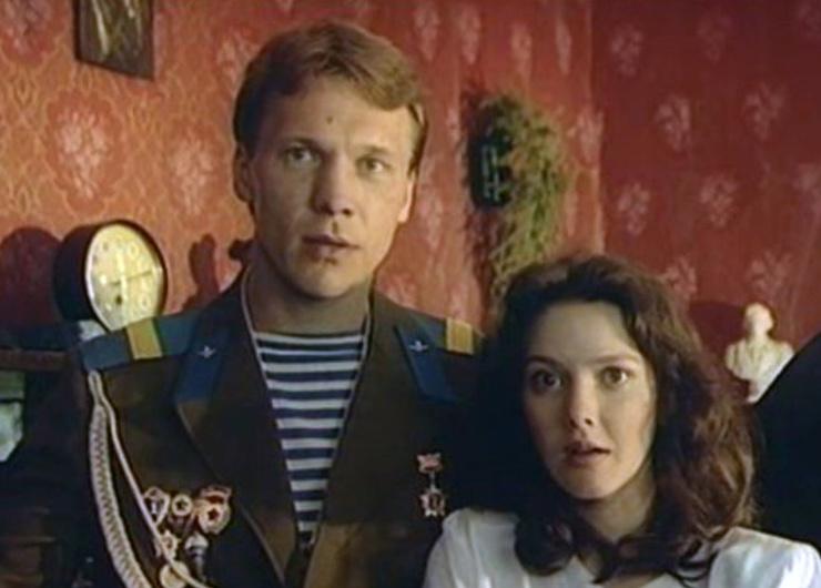 Первого яркого персонажа Анатолий сыграл в фильме «Все будет хорошо!»