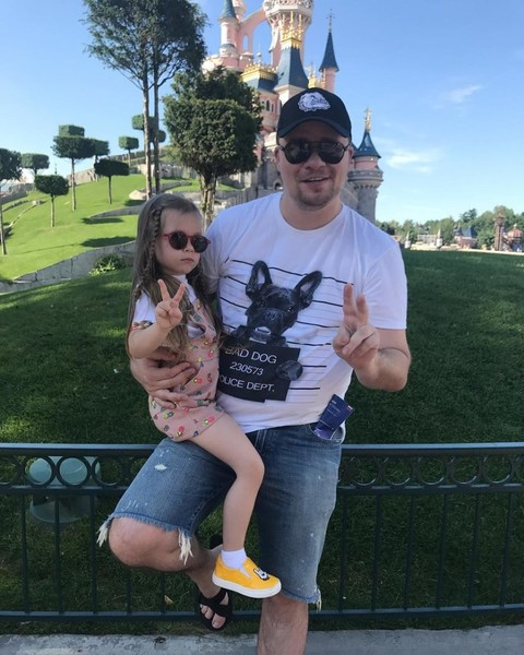 Харламов пытался сохранить семью ради дочери Насти