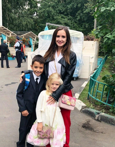 Маргарита Марсо с сыном и дочерью