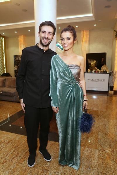 Сати Казанова с мужем