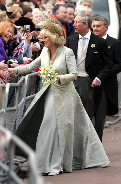 На свадьбе Камилла выглядела невероятно счастливой