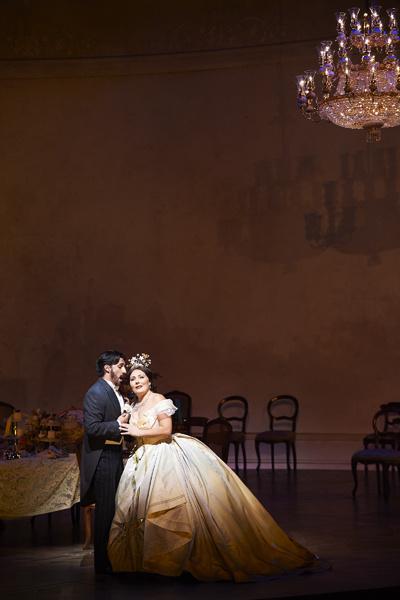 Постановка «Дон Жуан» в Венской опере с участием Сюриной