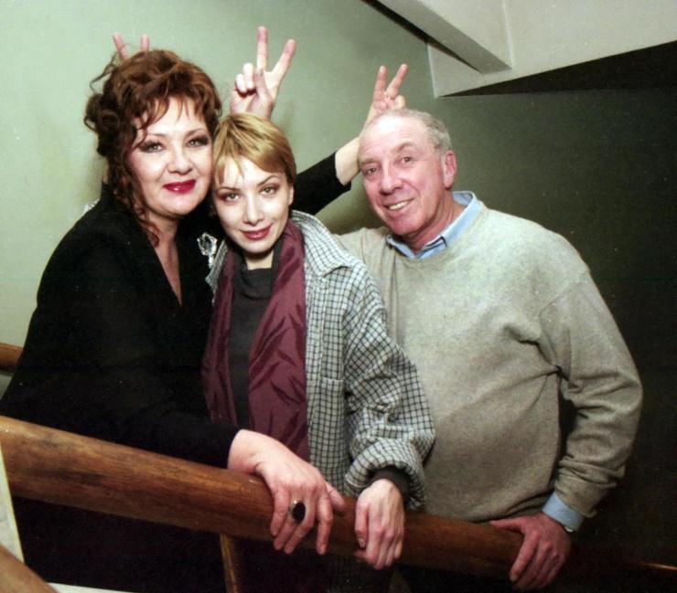 Наталья Тенякова и Сергей Юрский с дочкой Дарьей