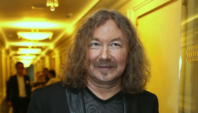 Игорь Николаев снял обручальное кольцо