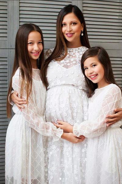 Яна с дочками Мариам и Айлой