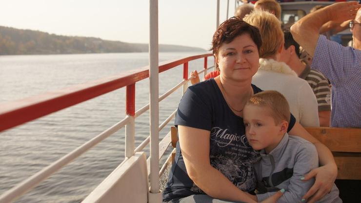 Дмитрий часто публикует архивные фото с женой и сыном
