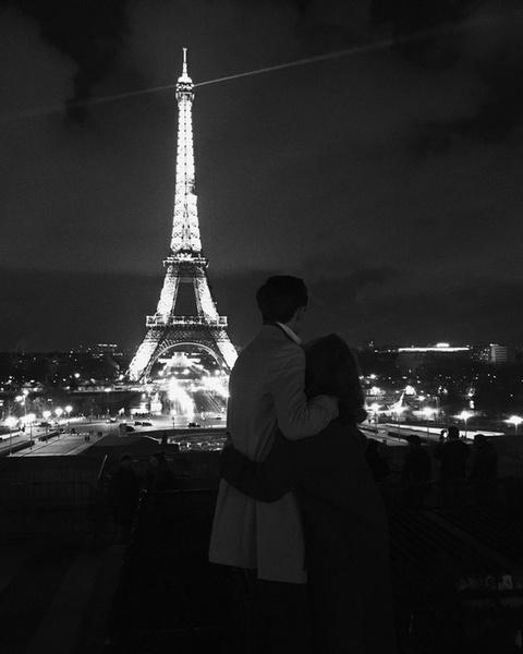 Доминик ездил с возлюбленной в Париж