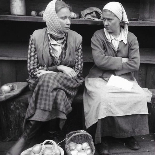 Мария Миронова с Марией Голубкиной на съемках фильма «Завод»
