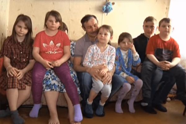 Мужчина воспитывал семерых детей