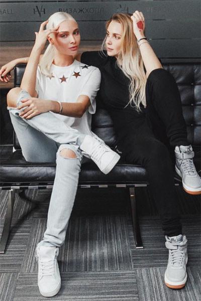Алена и Ирина познакомились на рекламной съемке