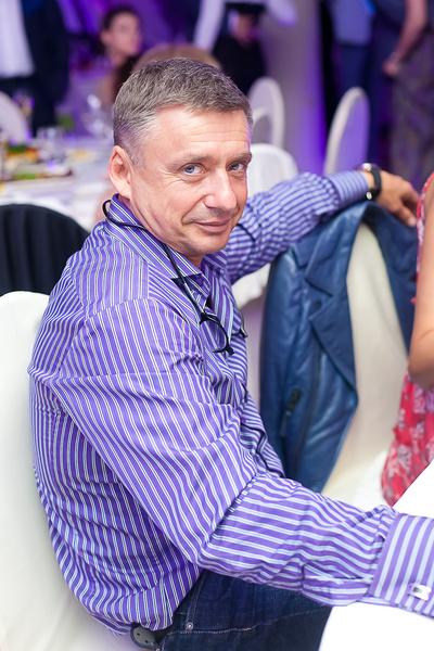 В отличие от мамы и сестры, Антон помирился с Олегом Табаковым
