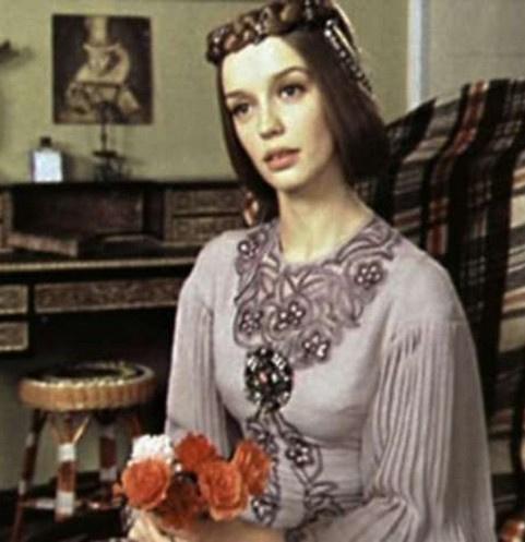 Как сейчас выглядит Наталья Трубникова – принцесса Мелисента из фильма «31 июня»