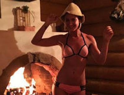 Ольга Бузова устроила жаркую фотосессию в бане