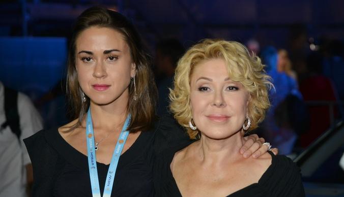 Дочь Любови Успенской дебютировала на сцене после травмы