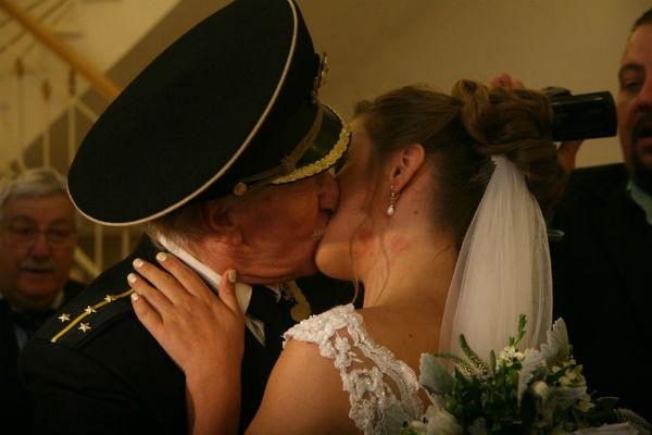 Наталья бесконечно счастлива, что жизнь связала ее с любимым супругом