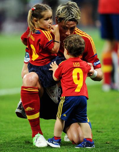 Фернандо Торрес с детьми Норой и Лео