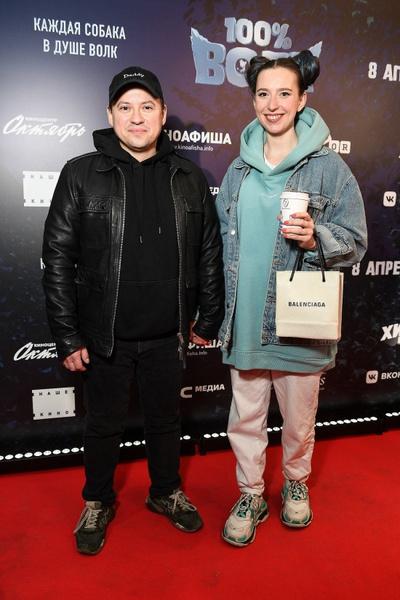 Звезда Универа Андрей Гайдулян с женой