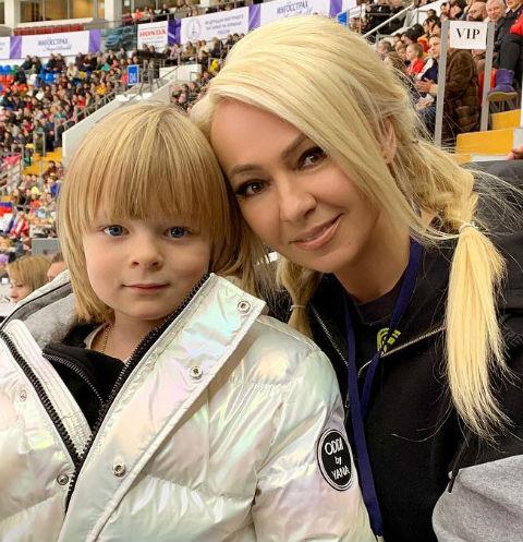 Яна Рудковская о сыне: «У Саши отнюдь не гламурная жизнь»