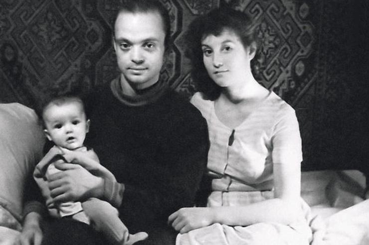 В браке с Альбиной у артиста родился сын Александр