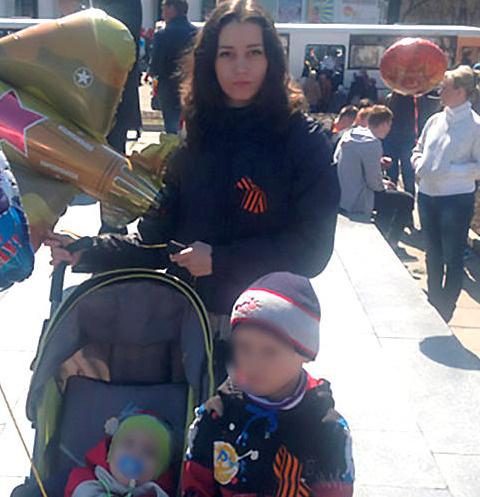 Ольга Пушкарева с сыновьями