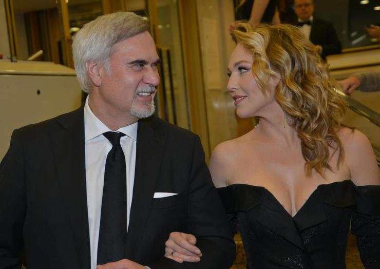 Сейчас Меладзе женат на Альбине Джанабаевой.